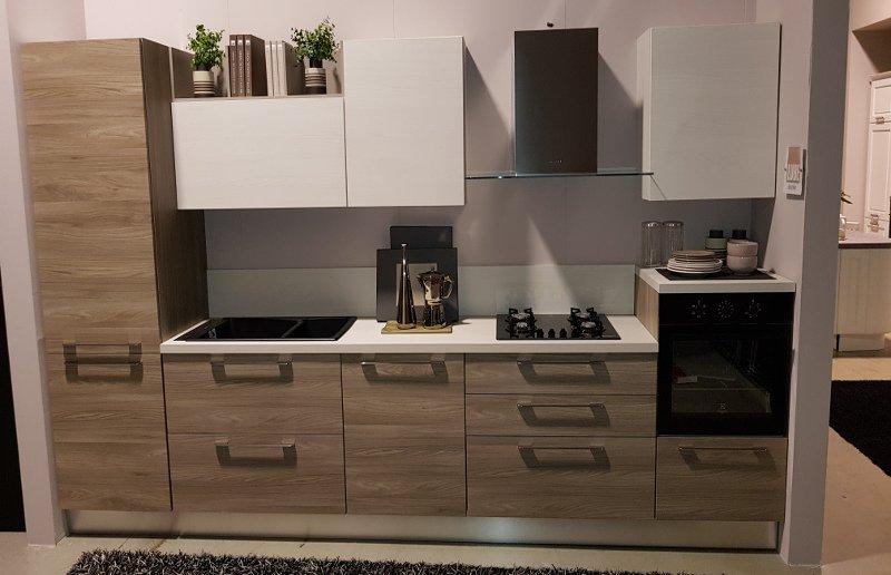Cucina Lube mod. Noemi di esposizione • Mobilificio Fontana